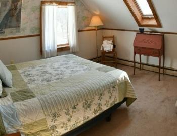 Hawk Mountain Lodge bedroom